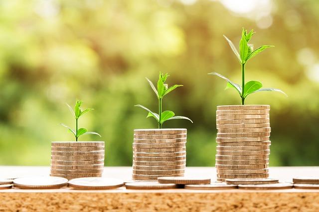 Blockchain spending & investment