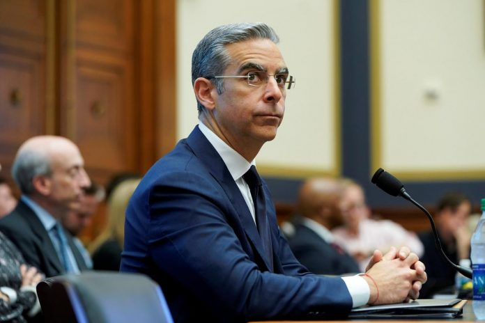 U.S. lawmakers challenge Facebook over Libra cryptocurrency plan